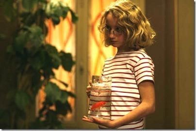 Paloma-with-goldfish