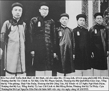 Hue mandarins in the 1930s