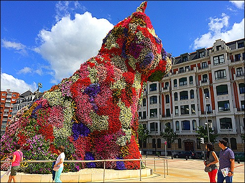 Puppy by Jeff Koons as taken by TT