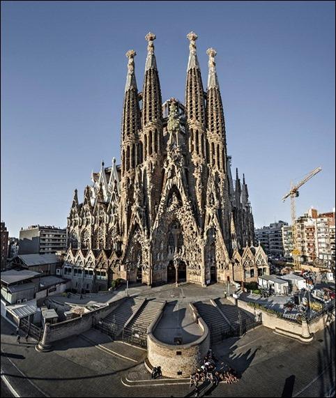 Pic 1 Thánh đường Sagrada Familia