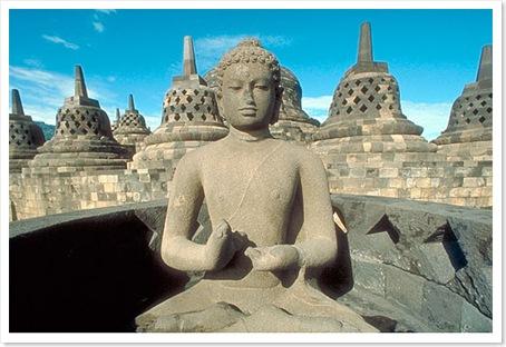 buddha-statue-in Java