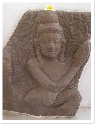 Champa statue